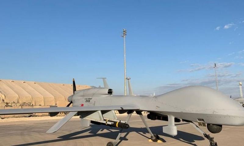"""طائرة مسيرة أمريكية في قاعدة """"عين الأسد"""" في العراق - 2020 (Getty)"""