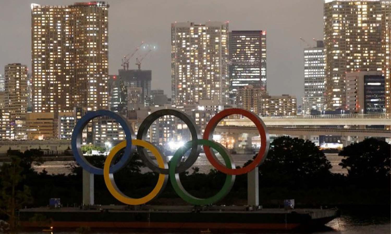 الحلقات الرمزية للألعاب الأولمبية في مدينة طوكيو اليابانية - 14 تموز 2021 (رويترز)