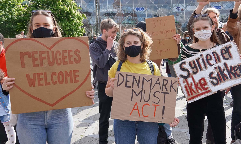 احتجاج على ترحيل اللاجئين السوريين آذار 2021 (AJ+)