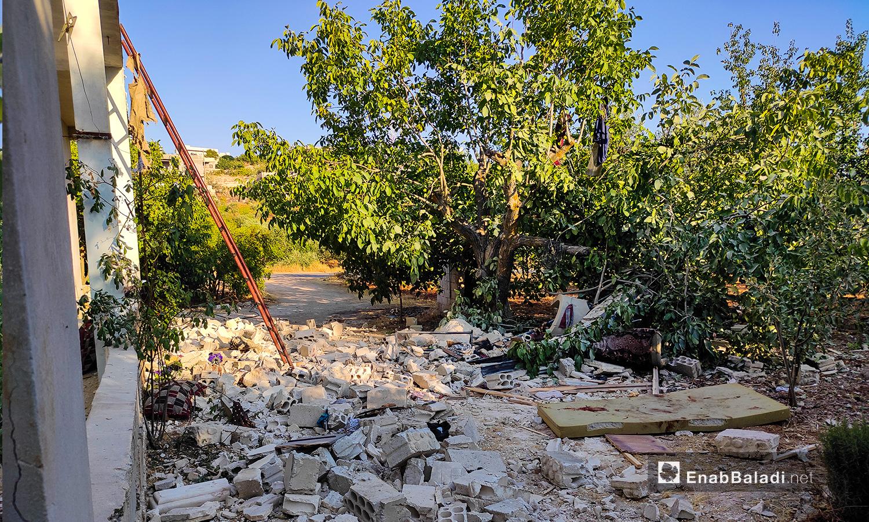 أثار دمار منزل جراء قصف مدفعي من قبل قوات النظام السوري في منطقة جبل الزاوية جنوب إدلب - 18 تموز 2021 (عنب بلدي \ أنس الخولي)