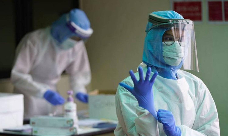 """طبيبة تركية تعالج المصابين بفيروس """"كورونا"""" (TR24)"""