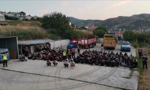 """تركيا تضبط 180 مهاجراً غير شرعي، """"الأناضول""""، 2021."""
