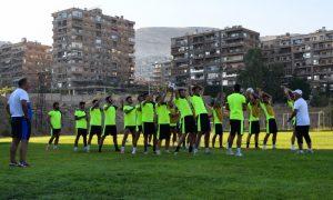 """لاعبون في نادي """"الوحدة"""" الرياضي أثناء التدريبات (نادي الوحدة عبر فيس بوك)"""