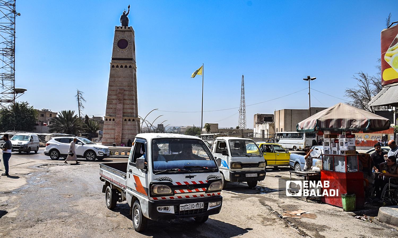 برج ساعة في مدينة الرقة -22 آب 2021 ( عنب بلدي / حسام العمر )