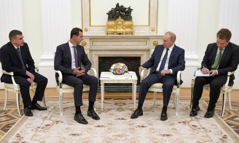 رئيس النظام السوري، بشار الأسد، مع نطيره الروسي، فلاديمير بوتين، في موسكو في 14 من أيلول 2021 (رئاسة الجمهورية)