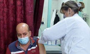 """التطعيم باللقاح المضاد لفيروس """"كورونا"""" في سوريا (صفحة وزارة الصحة في فيس بوك)"""