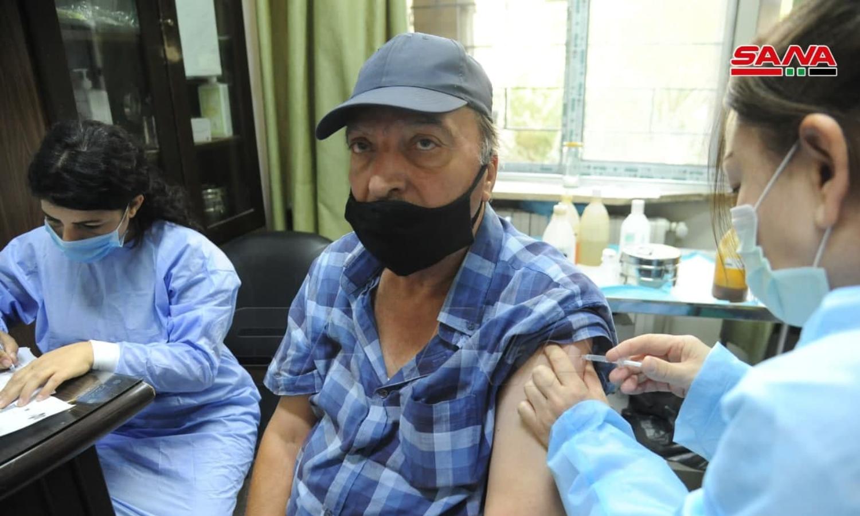 """التطعيم باللقاح المضاد لفيروس """"كورونا"""" في سوريا (سانا)"""