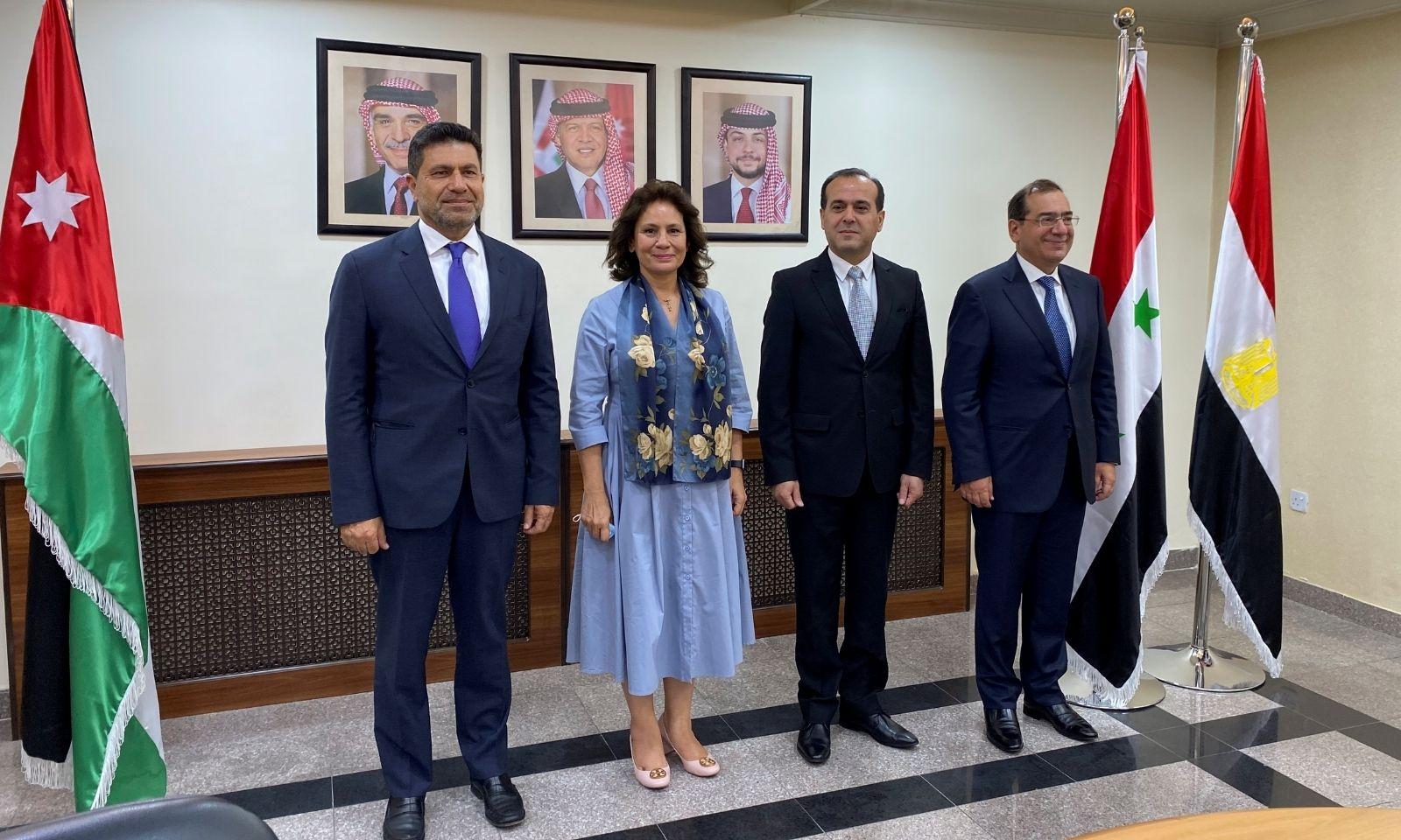 وزراء الطاقة في سوريا ولبنان والأردن ومصر في عمان - 8 من أيلول (رويترز)