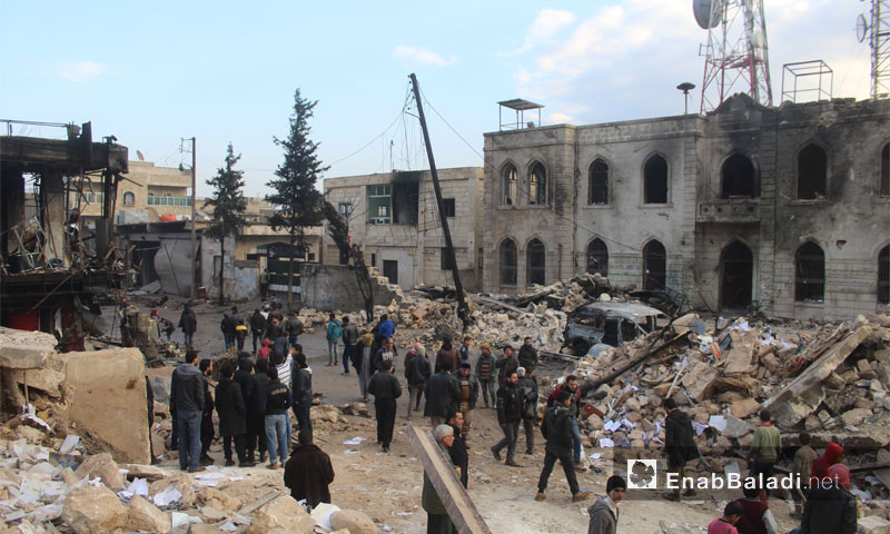 The aftermath of the bombing that hit the main market in Azaz city in northern Aleppo, 7 January (Enab Baladi)