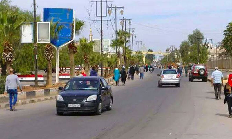 A photo of one of the main streets in Deraa al-Mahatta, with a near-absence of young men (Internet)