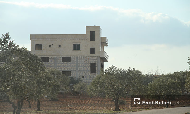 A house under construction in a remote area of Idlib's countryside, 8 February 2017 (Enab Baladi)