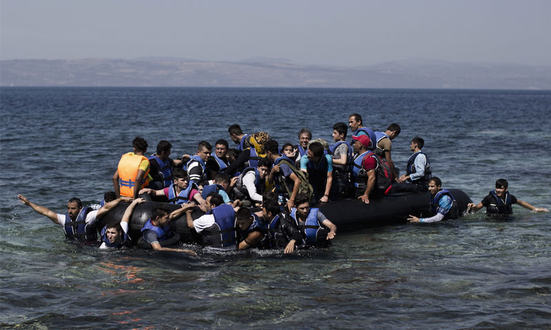 Syrians crossing the sea to get to Greece