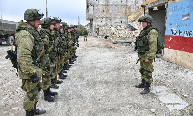 Russian police in the city of Aleppo (Sputnik)