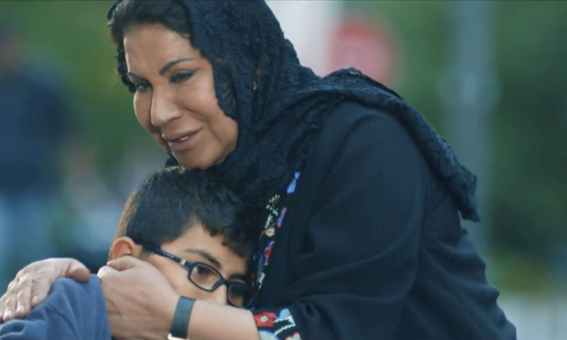 """A scene between a Gulf tourist and a Syrian child in the series """"Ken Fi Kol Zaman"""" (MBC)"""