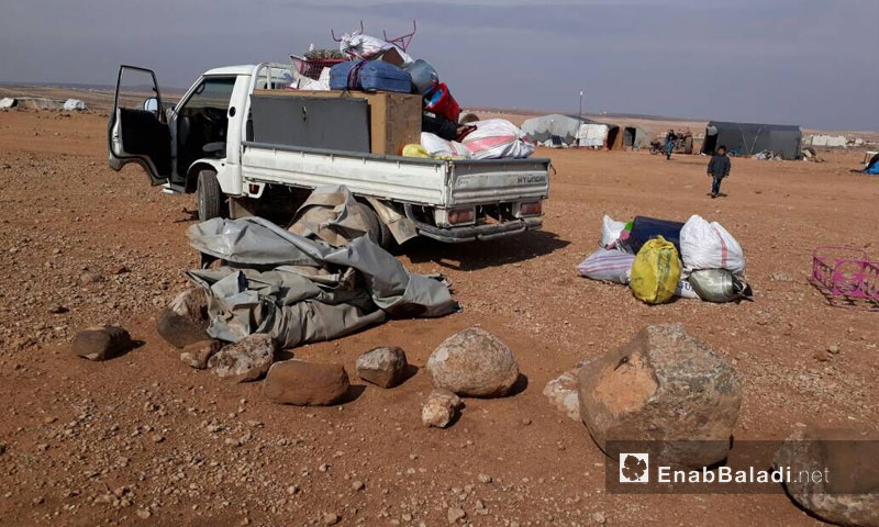 Displaced people of rural Hama making a home of roads - November 3, 2017 (Enab Baladi)
