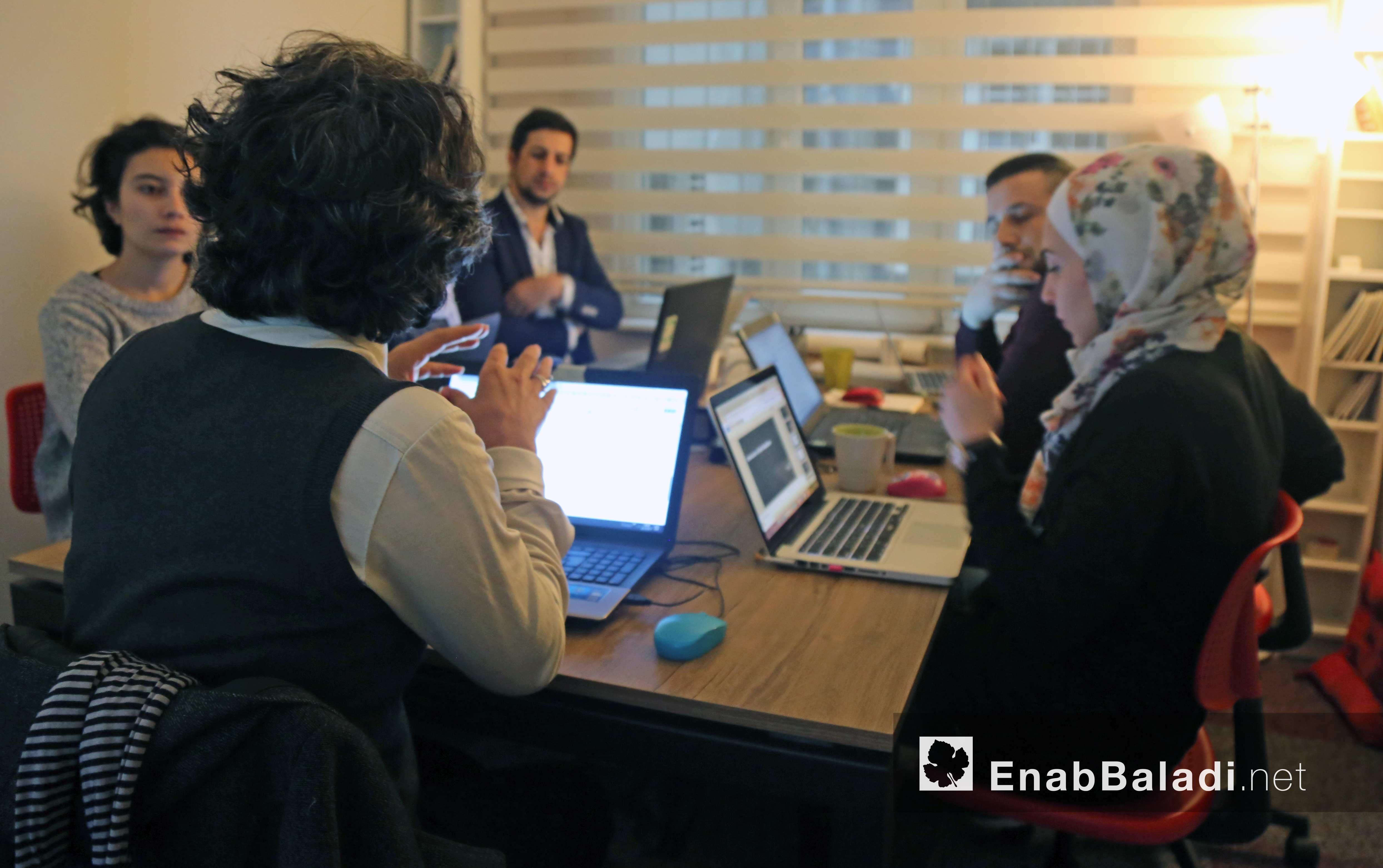 """Training workshope on """"Data Journalism"""" in Enab Baladi org - 6 Dec 2017 (Enab Baladi)"""