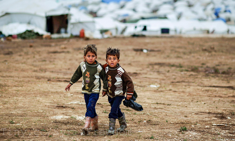 Expressive – Two displaced children in rural al-Hasakah – 2013.