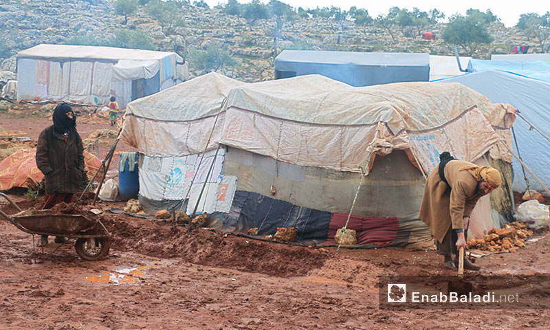 Northern Idlib countryside's camps are suffering a rain storm that hit Syria - 19 January 2018 (Enab Baladi)