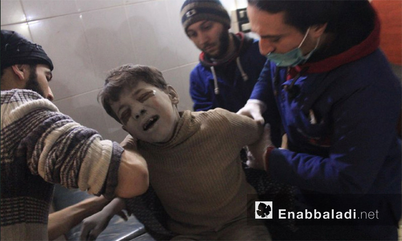 Child injured due to the shelling in the town of Hamouriyah in Eastern Ghouta - 9 January 2018 (Enab Baladi)