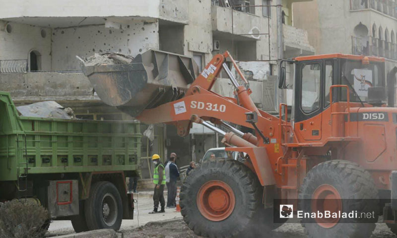 The early intervention team starts the debris removal project in the city of Raqqa - 14 January 2018 (Enab Baladi)
