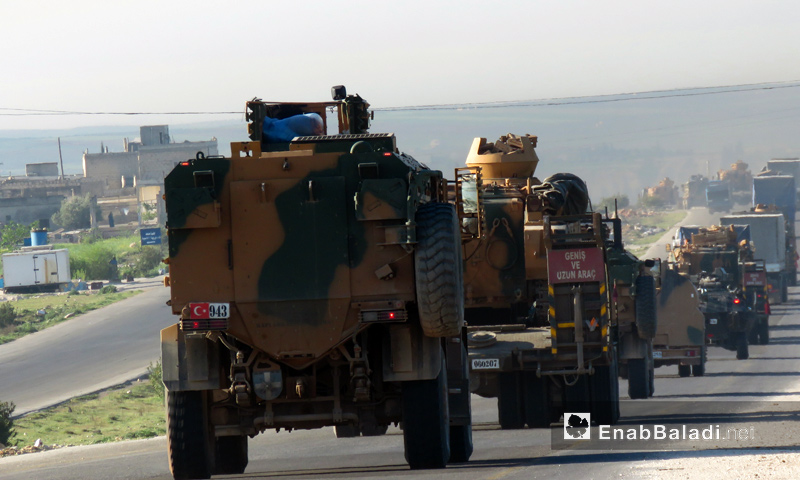 A Turkish military convoy enters through the gate of Hama governorate to install the ninth monitoring point – April 7. 2018 (Enab Baladi)