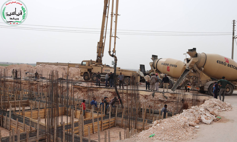 """""""Euro Beton"""" machines during the construction process of the Qabasin Residential project – March 2018 (Qabasin Local Council)"""