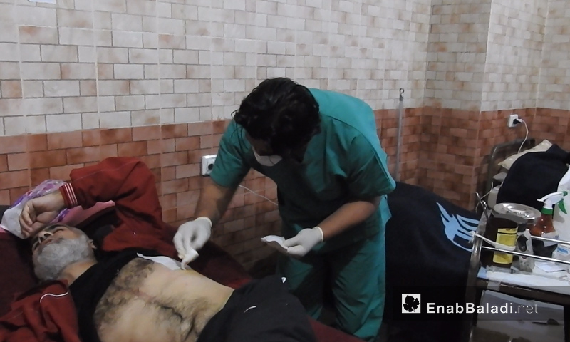 One of Eastern Ghouta's injured people receiving medical treatment in the Mare' Healing House in northern Aleppo (Enab Baladi)