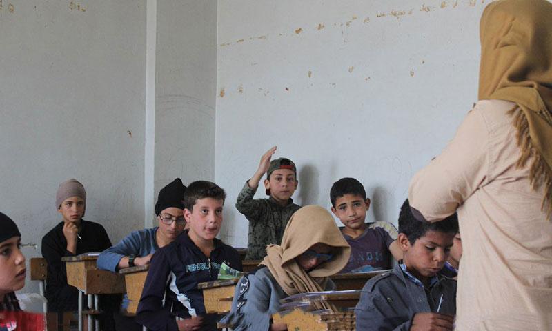 Students in a school run by ISIS in the Yarmouk Basin in Daraa (Khalid ibn al-Walid Army)