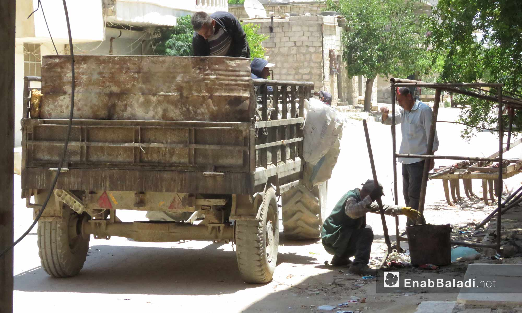 Cleaners in the city of Afrin, rural Aleppo – June 21, 2018 (Enab Baladi)