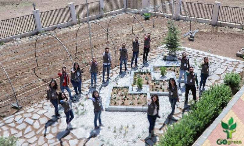 """Go Green"" volunteering team members in the city of As-Suwayda (The team's Facebook account)"