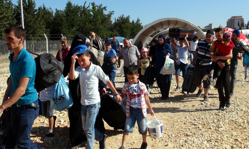 Syrians leave Turkey to Spend the Eid holiday in Syria (CNN)