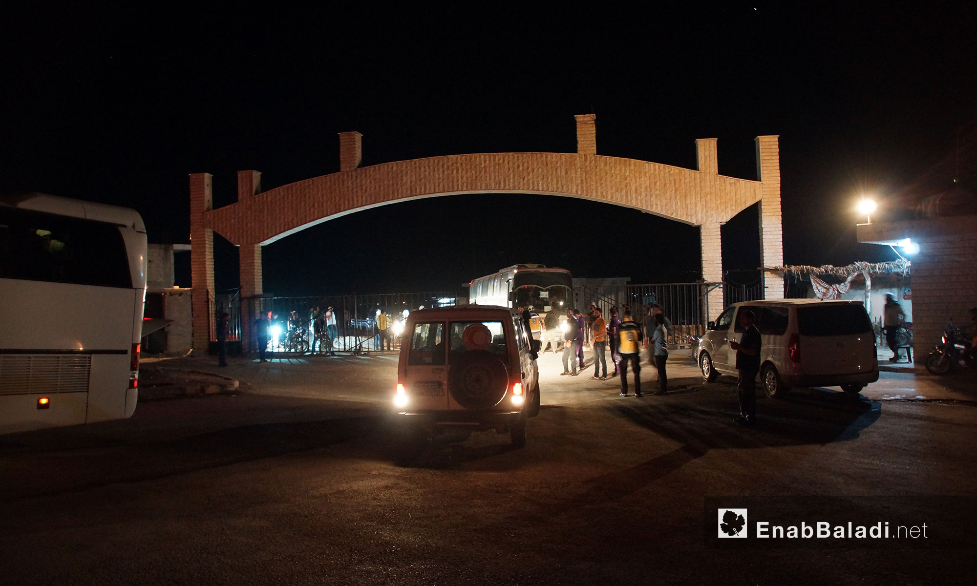 The arrival of the first batch of Daraa IDPs in the city of Qalaat al-Madiq, rural Hama – July 16, 2018 (Enab Baladi)