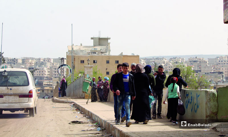 The displaced Afrin residents leaving towards Northern Aleppo countryside, Azaz and border camps - March 13, 2018 (Enab Baladi)