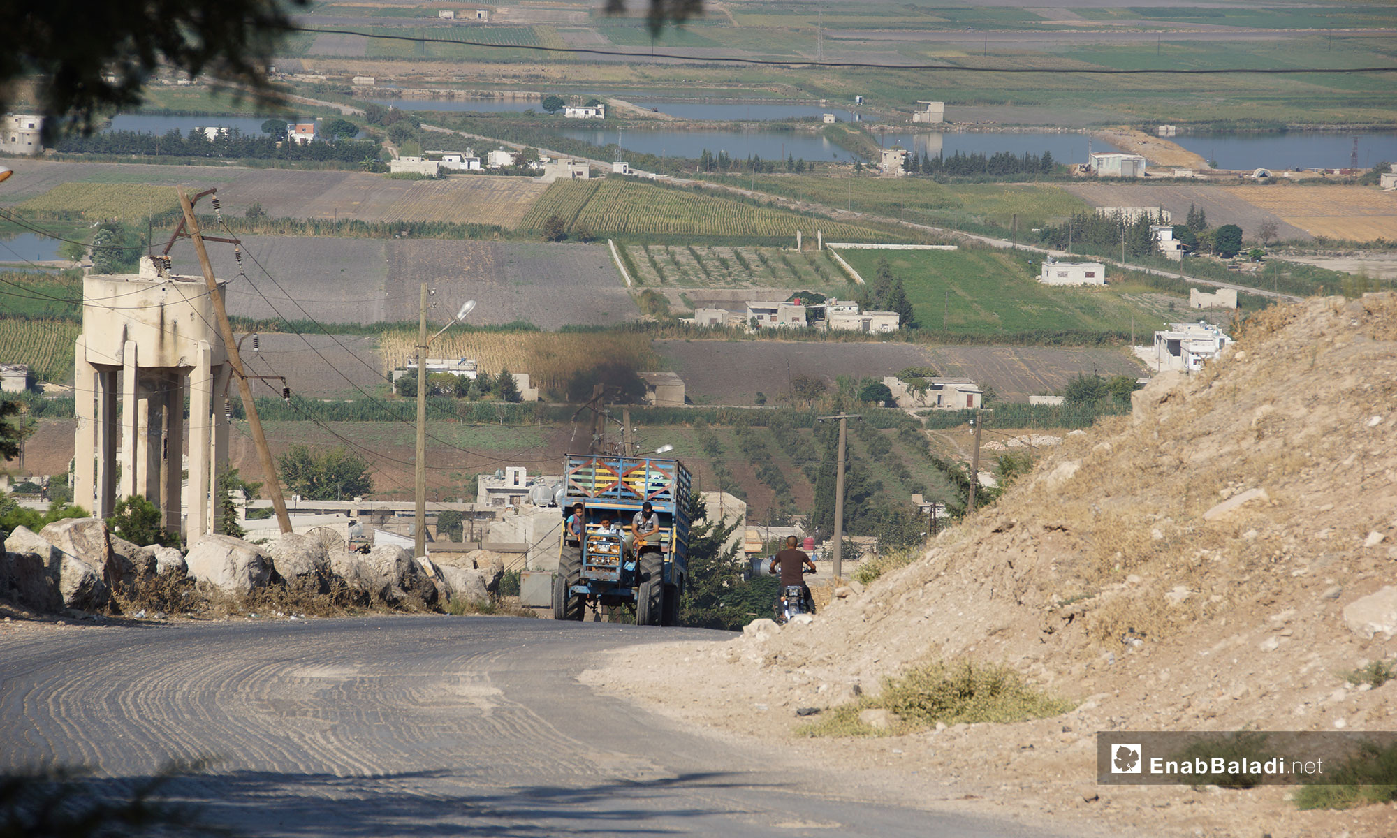 The displacement of Qalaat al-Madiq town's people due to bombardment, rural Hama – September 9, 2018 (Enab Baladi)