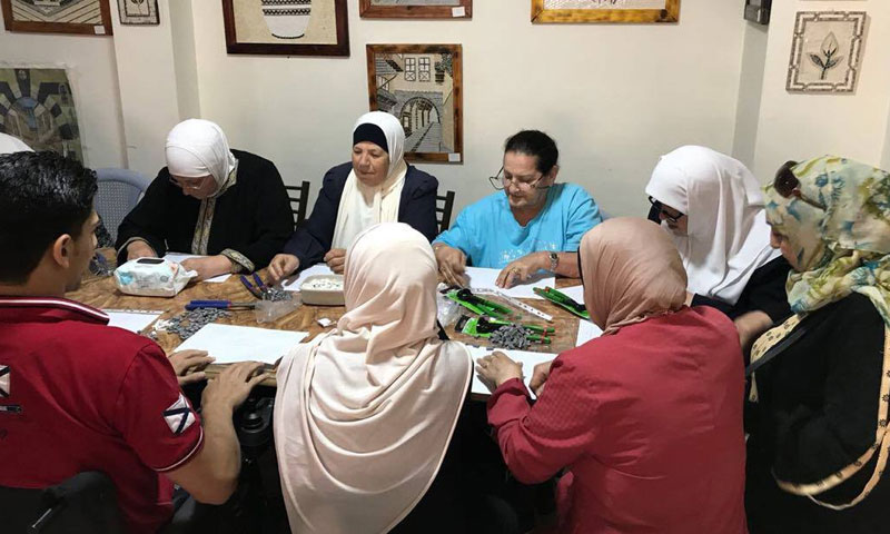 A mosaic training course for Syrian older persons in Jordan – October 2018 (Souriyat Across Borders)
