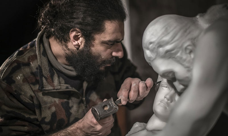 The Syrian sculptor Elias Nouman (Nouman's Facebook page)