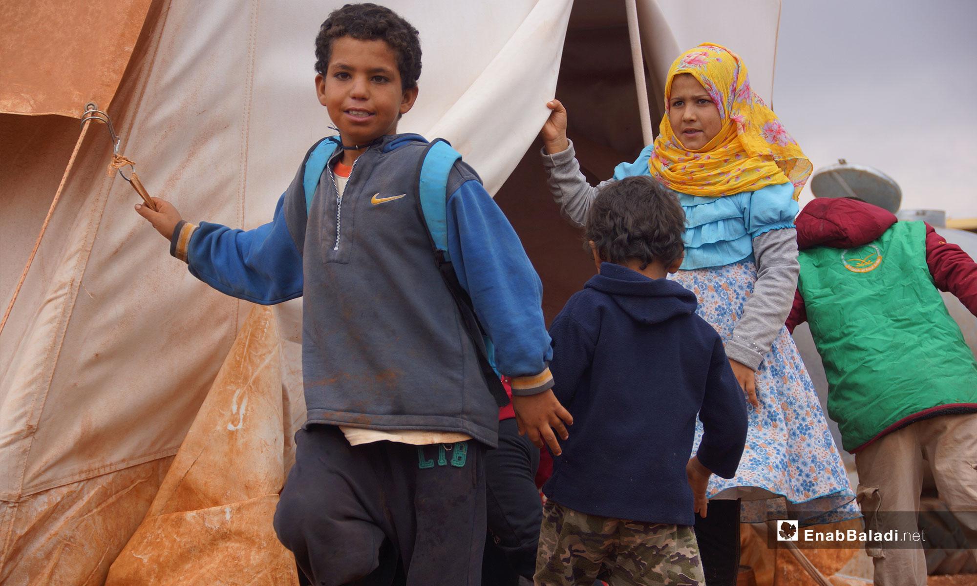 Children displaced from rural Hama at the Abu al-Walid Camp, southern rural Idlib – November 5, 2018 (Enab Baladi)