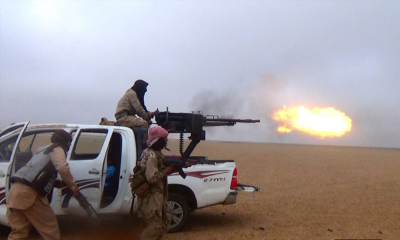 """""""ISIS"""" fighters during an attack on the al-Bahra village, east of Euphrates – November 24, 2018 (Amaaq)"""