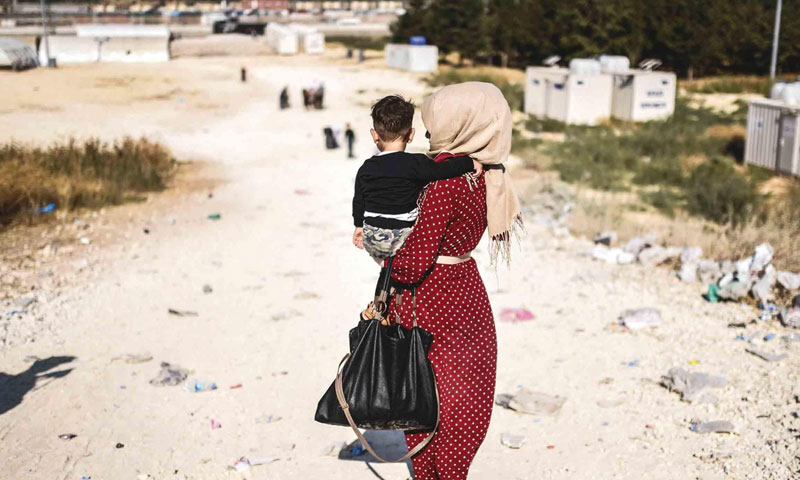 Syrian woman at the Turkish-Syrian borders – August 28, 2017 (AFP)