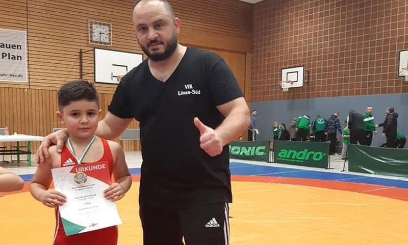 Alaa al-Krad and his son Taim al-Krad during a championship in North Rhine-Westphalia, Germany – January 13, 2019 (Alaa al-Krad Facebook Page)