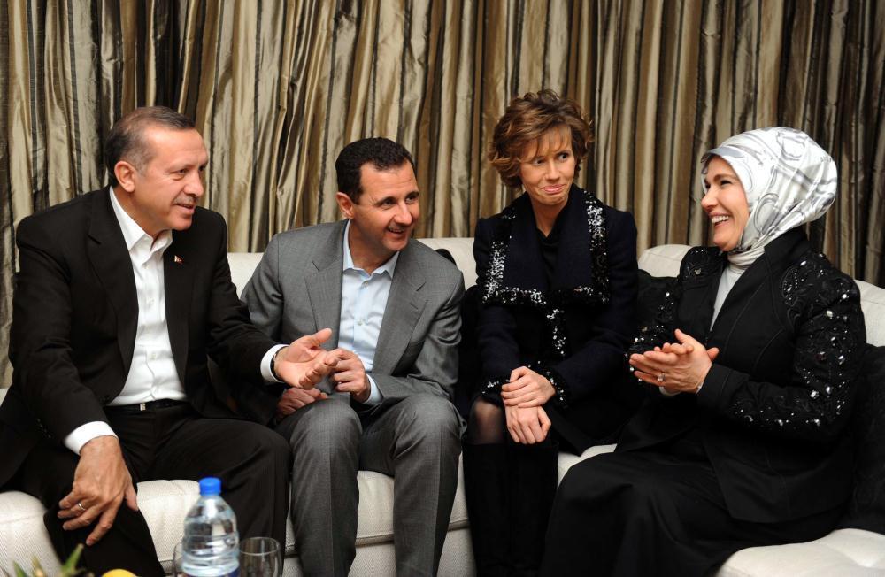 Syrian President Bashar al-Assad and his wife along with Turkish President Recep Tayyip Erdogan and his wife, 2009 (Anadolu Agency)
