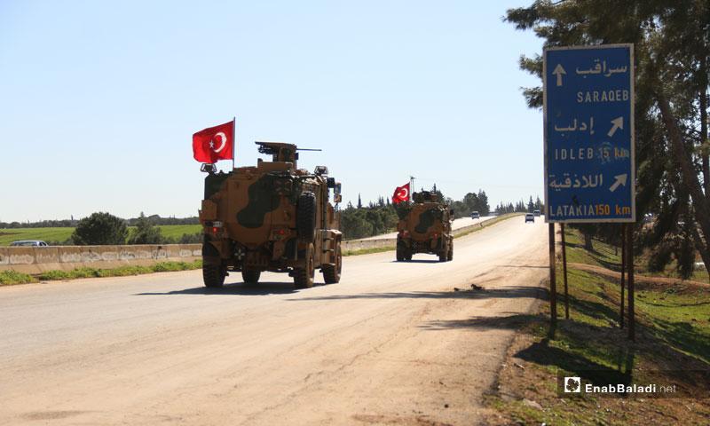 A Turkish military patrol on Damascus-Aleppo Highway heading to Saraqib, rural Idlib – March 8, 2019 (Enab Baladi)