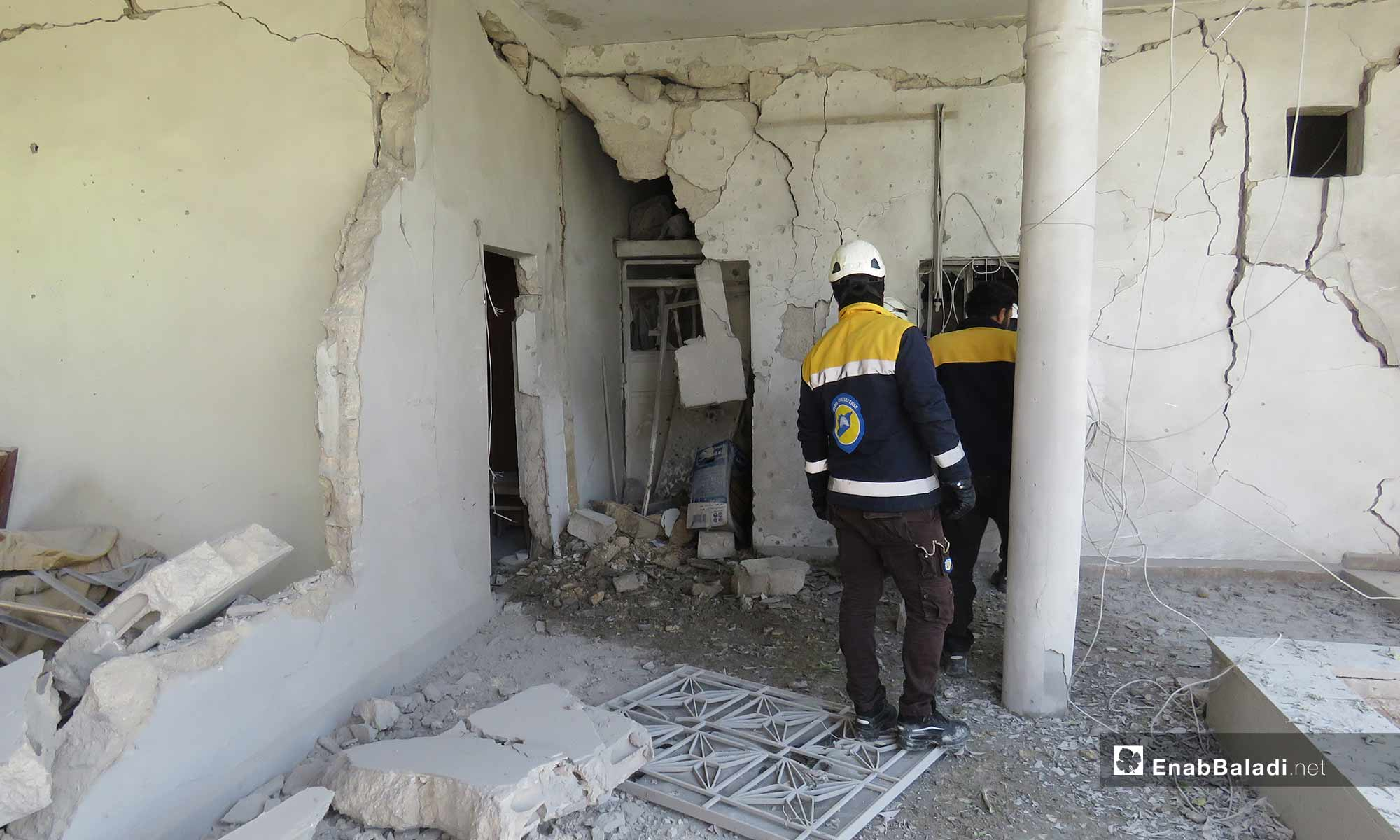 The destruction caused by the Syrian regime's attacks on the town of Qalaat al-Madiq, rural Hama – April 25, 2019 (Enab Baladi)