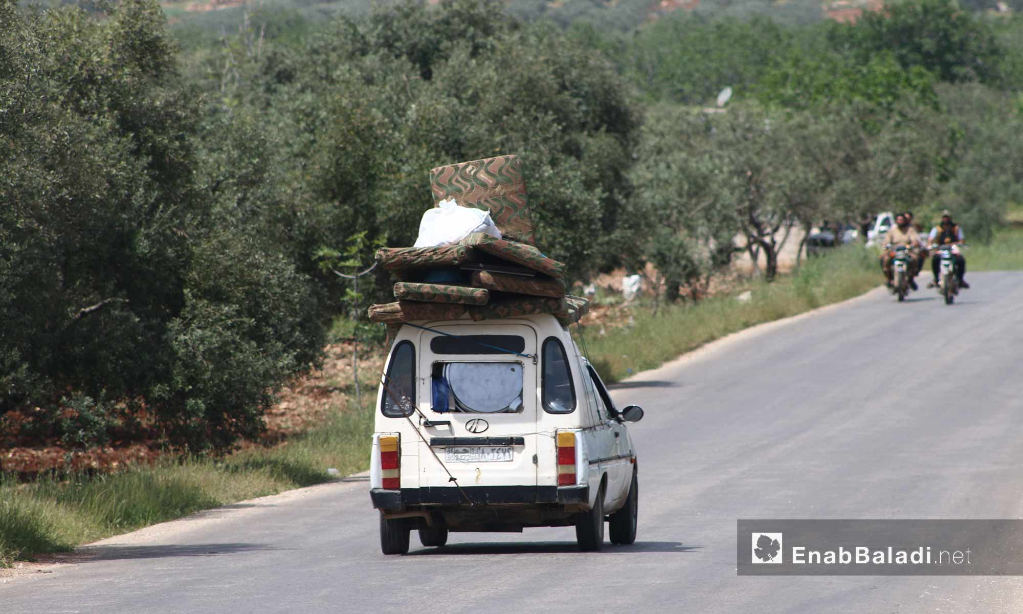 Families displaced from the rural parts of Hama and Idlib due to the extensive Russian aerial shelling – May 1, 2019 (Enab Baladi)
