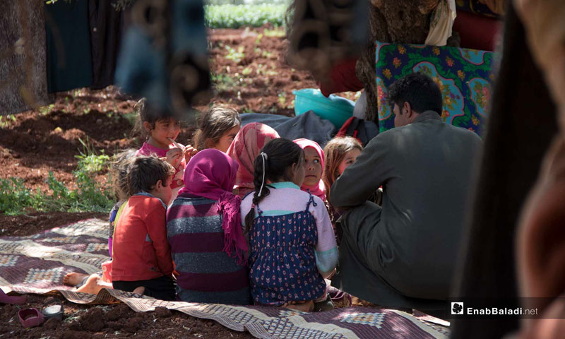 The displacement of civilians to Syrian-Turkish borders to escape the shelling - May 3, 2019 (Enab Baladi)