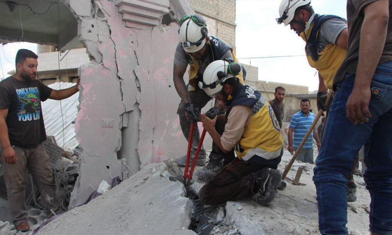 Members of Civil Defence ( White Helmets) pulling victims out of the rubble in the aftermath of aerial bombardment on Ma'ar Shoreen, rural Idlib- July 16, 2019 ( Civil Defense )