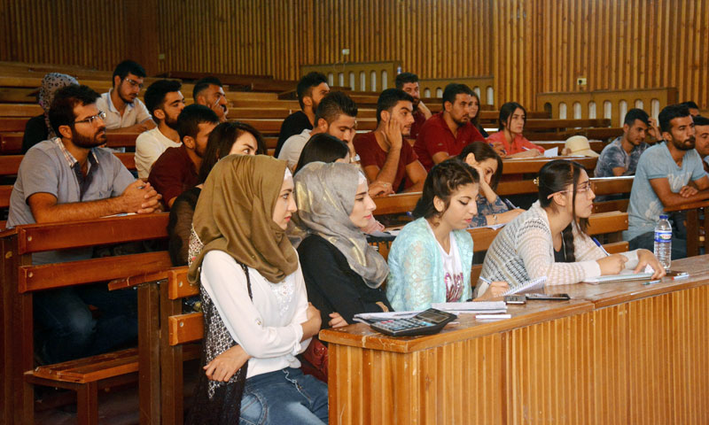 Students at Rojava University ( Ronahi Network)