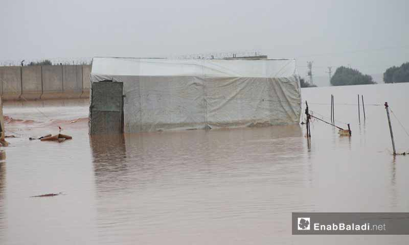 Tents of IDPs flooded by violent rain torrents in northern Idilb - March 31, 2019 (Enab Baladi)