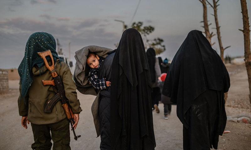 Syrian women in al-Hawl camp in al-Hasakah countryside - February 17, 2019 (AFP)