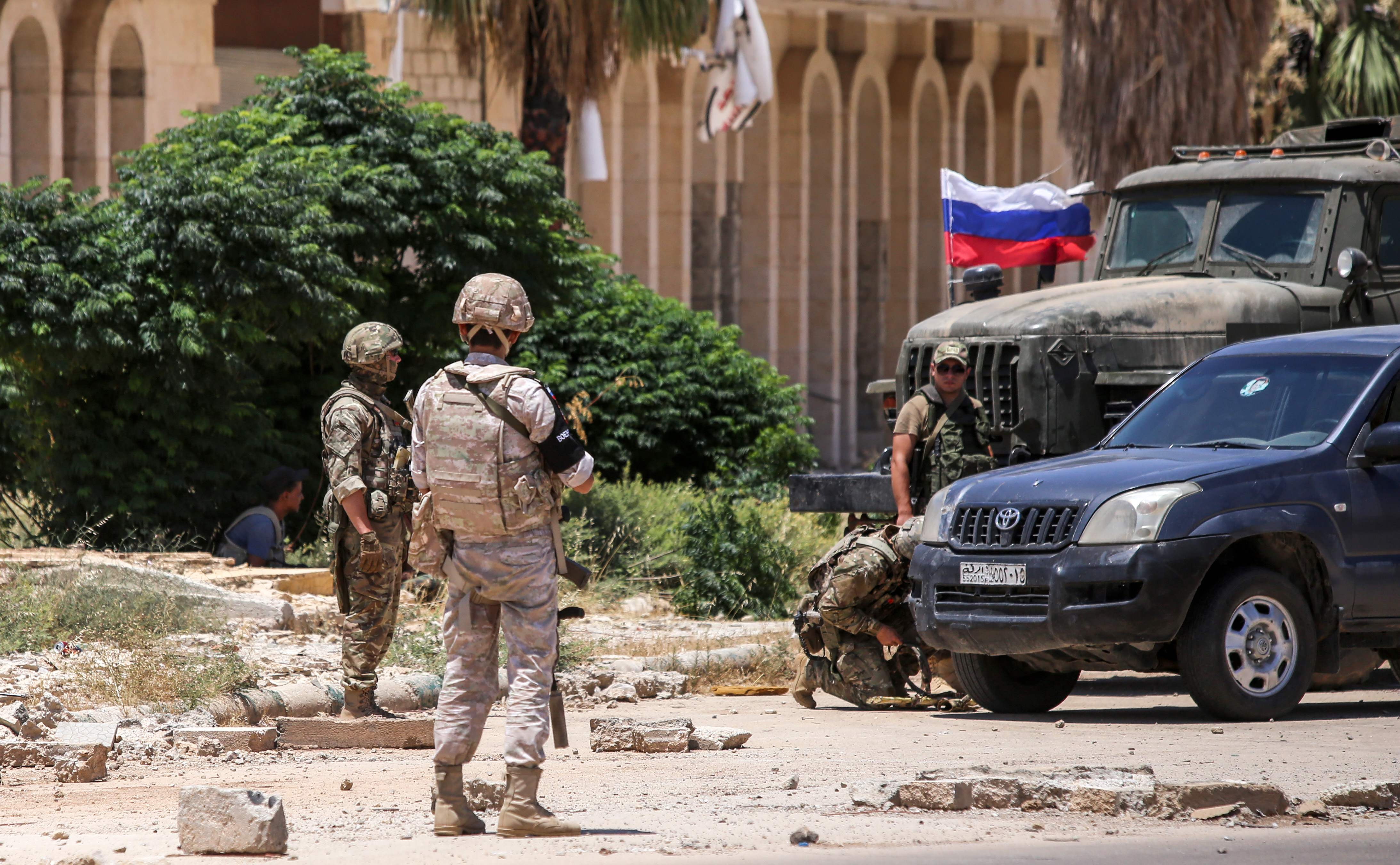 Members of the Russian Military Police at Nasib Border Crossing with Jordan in Daraa Governorate - July 7, 2018 (AFP)